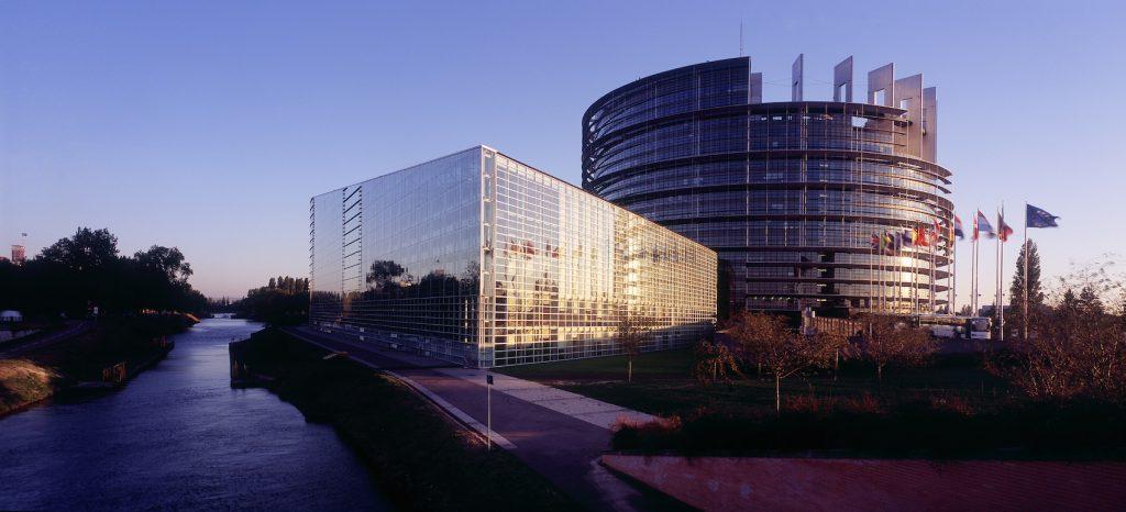 crt_strasbourg-parlement-europcen_zvardon