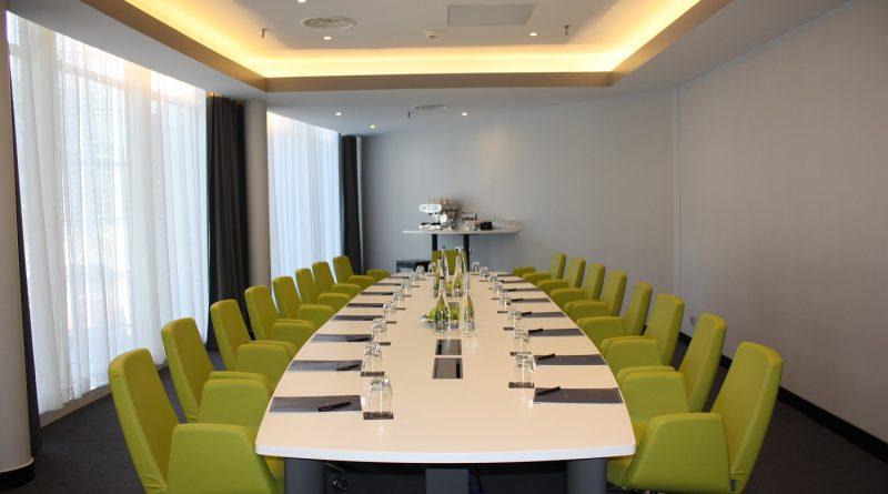 réunir hôtel Hilton Paris La Défense