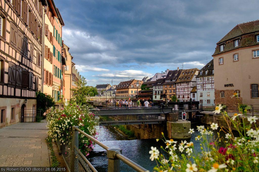 Place Benjamin Zix Quai des Moulins UNESCO World Heritage (1988): Strasbourg – Grande île http://whc.unesco.org/en/list/495
