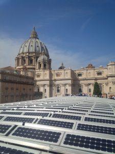 Smart Travel panneaux-solaires-sur-les-toits-du-vatican-copie