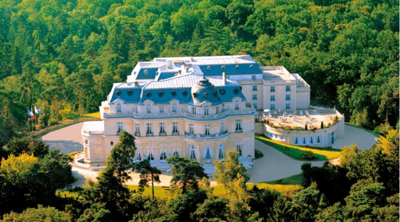 réunir Tiara Château